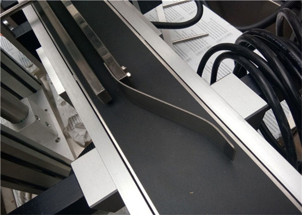 Täisautomaatne ülemise sildistamise masin plastikust tühja ümbrikukoti märgistamiseks