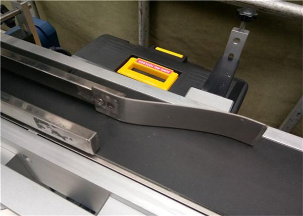 Automaatne söötmine Ülemine sildimisseadme kleebis / isekleepuv sildi tüüp