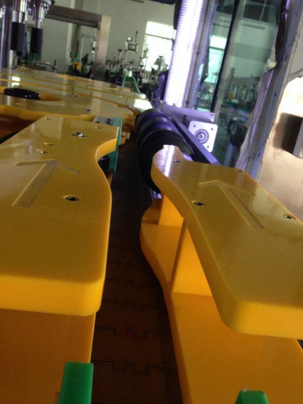 Kõrge toodanguga veini / õllepudelite märgistamise masin, ümmargune pudeli märgistaja